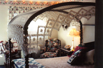 Mackinaw City American Boutique Inn Somewhere in Time themed room